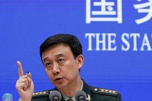 Hỗ trợ công tác phòng ngừa Covid-19, Trung Quốc hoãn tuyển quân
