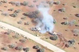 Hết đạn, xe tăng T-72 Syria và xe bọc thép phiến quân lao vào húc nhau