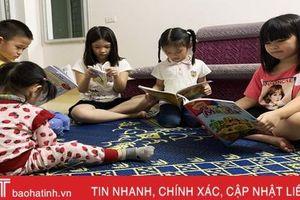 Các bà mẹ Hà Tĩnh giúp con 'trốn' dịch Covid-19 an toàn, bổ ích