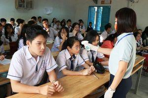 Học sinh THPT nhiều nơi trở lại trường học với tỷ lệ rất cao
