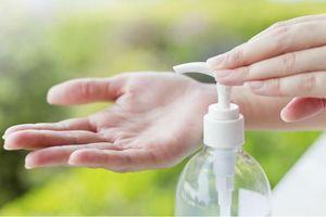 Phú Thọ: Thu giữ lô nước rửa tay, lọ xịt sát khuẩn không rõ nguồn gốc