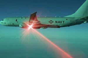 Tín hiệu laser leo thang sóng gió Mỹ - Trung trên biển