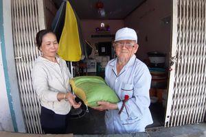 Cụ ông 90 tuổi mê làm từ thiện