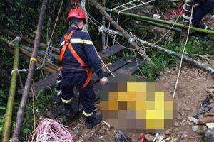 Tìm thấy thi thể đôi nam nữ dưới 'hố tử thần' sâu 250m ở Hà Giang