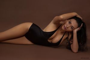 Trần Huyền Nhung khoe Body nóng bỏng, sexy đón sinh nhật tuổi 38