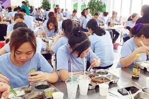 Nâng chất bữa ăn công nhân