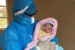 Bé gái nặng hơn 3kg chào đời khi mẹ từ Hàn Quốc đang cách ly phòng dịch COVID-19