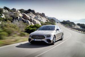 Mercedes-Benz E-Class 2021 gây ấn tượng với diện mạo và loạt công nghệ mới