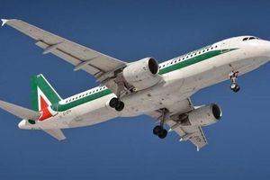 Hàng không Italy đối mặt với khủng hoảng vì COVID-19