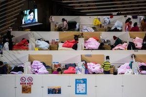 Cuộc sống bên trong bệnh viện dã chiến ở Vũ Hán