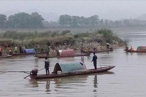 Thanh Hóa: Lật thuyền đánh cá, hai vợ chồng mất tích trên sông