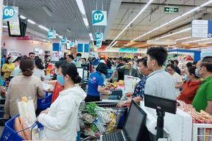 Các siêu thị cam kết không thiếu hàng phục vụ khách