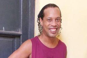 Lộ diện hình ảnh đầu tiên của Ronaldinho tại nhà tù Paraguay
