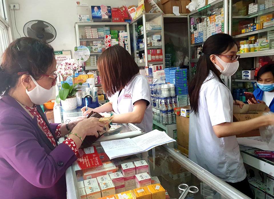 Thị trường dung dịch sát khuẩn đường họng dồi dào, giá ổn định