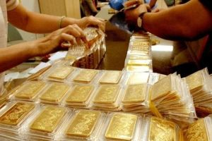 Vợ chồng trẻ kiếm tiền tỷ nhờ bán nhà đất mua vàng