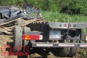 Xe tải lao xuống vực tại Lâm Đồng, tài xế kẹt trong cabin tử vong