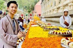 Chàng trai Việt 24 tuổi nặng tình trên đất Phật, ngày ngày nấu 300 suất cơm làm từ thiện