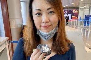 Trao trả đồng hồ trị giá 40.000 USD cho một đại biểu ASEAN