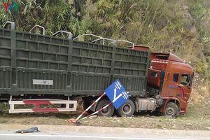 Lái xe đầu kéo có nồng độ cồn gây tai nạn khiến 2 người tử vong