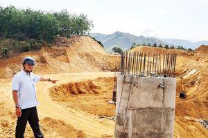 Dân huyện nghèo hiến đất xây dựng nông thôn mới