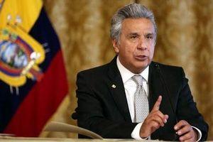 Giá dầu lao dốc, Ecuador giảm chi tiêu ngân sách, vay tiền nước ngoài