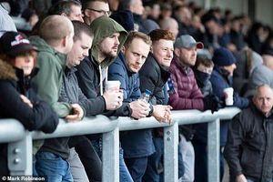 Hàng nghìn CĐV Anh đổ xô đi xem bóng đá bất chấp Covid-19