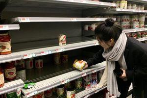 Mỹ: Nhà máy tăng ca để lấp đầy siêu thị mùa dịch