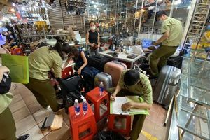 Phát hiện nhiều sản phẩm có dấu hiệu giả mạo nhãn hiệu nổi tiếng tại Sài Gòn Square và chợ Bến Thành