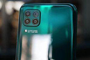 Smartphone 4 camera sau, pin 4.200 mAh, sạc 40W, RAM 8 GB, giá 6,99 triệu tại Việt Nam