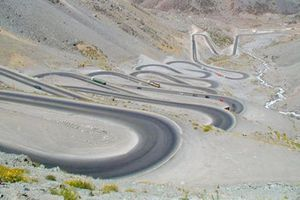 'Hết hồn' những con đường được mệnh danh là nguy hiểm nhất Trái Đất