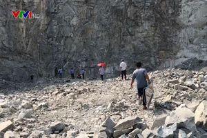 Bình Dương: Điều tra nguyên nhân một người thiệt mạng do rơi từ vách núi
