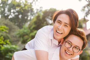Huỳnh Lập và Hồng Tú kỷ niệm 11 năm bên nhau