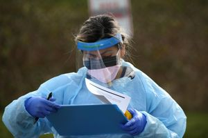 Nghiên cứu của Mỹ: Virus corona có thể sống 2-3 ngày trên nhựa và thép