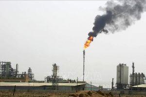 Iraq hối thúc OPEC và các đối tác họp khẩn