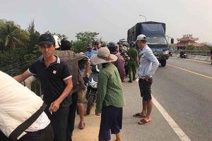 Thanh niên bỏ xe trên cầu đi nhậu, cả làng hốt hoảng tìm kiếm