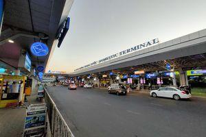 Sân bay Tân Sơn Nhất vắng khách sau lệnh ngừng cấp thị thực