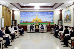 Đại sứ quán Việt Nam chúc mừng 65 năm ngày thành lập Đảng NDCM Lào