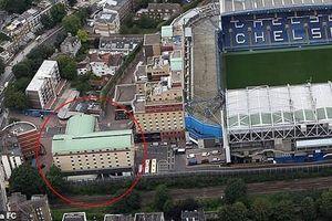 Chelsea dùng khách sạn gần Stamford Bridge làm nơi chống Covid-19