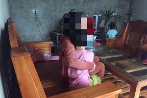Sợ con gái 9 tuổi bị xâm hại, mẹ phá cửa nhà hàng xóm để 'giải cứu'