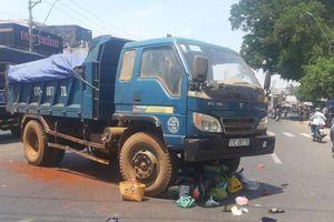 Xe máy va chạm với xe ben, một phụ nữ tử vong thương tâm