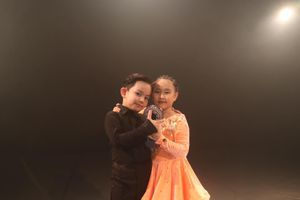 Con trai Khánh Thi - Phan Hiển bất ngờ xuất hiện trong MV của Đạt G