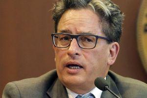 Bộ trưởng Tài chính Colombia bị tình nghi dính líu với tội phạm rửa tiền