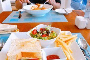 Những món ăn ngon miệng và 'chất lừ' từ khu cách ly Việt Nam