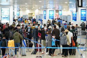 Cập nhật 14h ngày 22/3: hơn 2.100 người về từ vùng dịch Covid-19 nhập cảnh sân bay Nội Bài, nhiều nước áp dụng biện pháp chống dịch lây lan