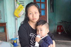 Xót xa bé 3 tuổi khuyết tật mồ côi bố