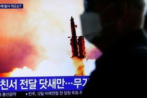 Loạt thử tên lửa và kỳ họp mới hé lộ sự thực về tình hình COVID-19 tại Triều Tiên?
