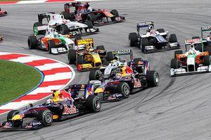 F1 Hà Nội tạm hoãn, fan chi 9 triệu mua vé... xử lý thế nào?