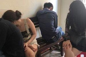Từ nước ngoài về, nam thanh niên thuê khách sạn mở tiệc ma túy