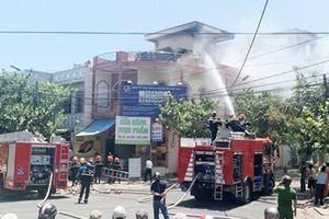 Phú Yên: Cháy nhà dân, nhiều người nháo nhào