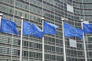 Dịch Covid-19: EU lần đầu tiên kích hoạt 'điều khoản thoát hiểm', cho phép thành viên tự do chi tiêu